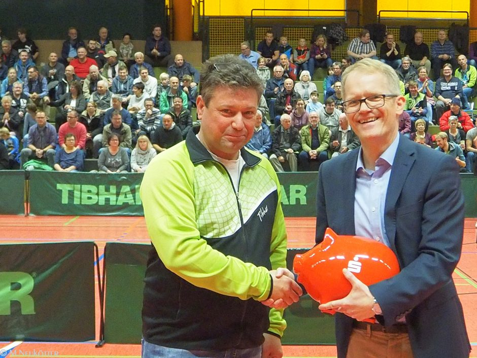 Sparkasse Hamm unterstützt den TTC Grünweiß Bad Hamm